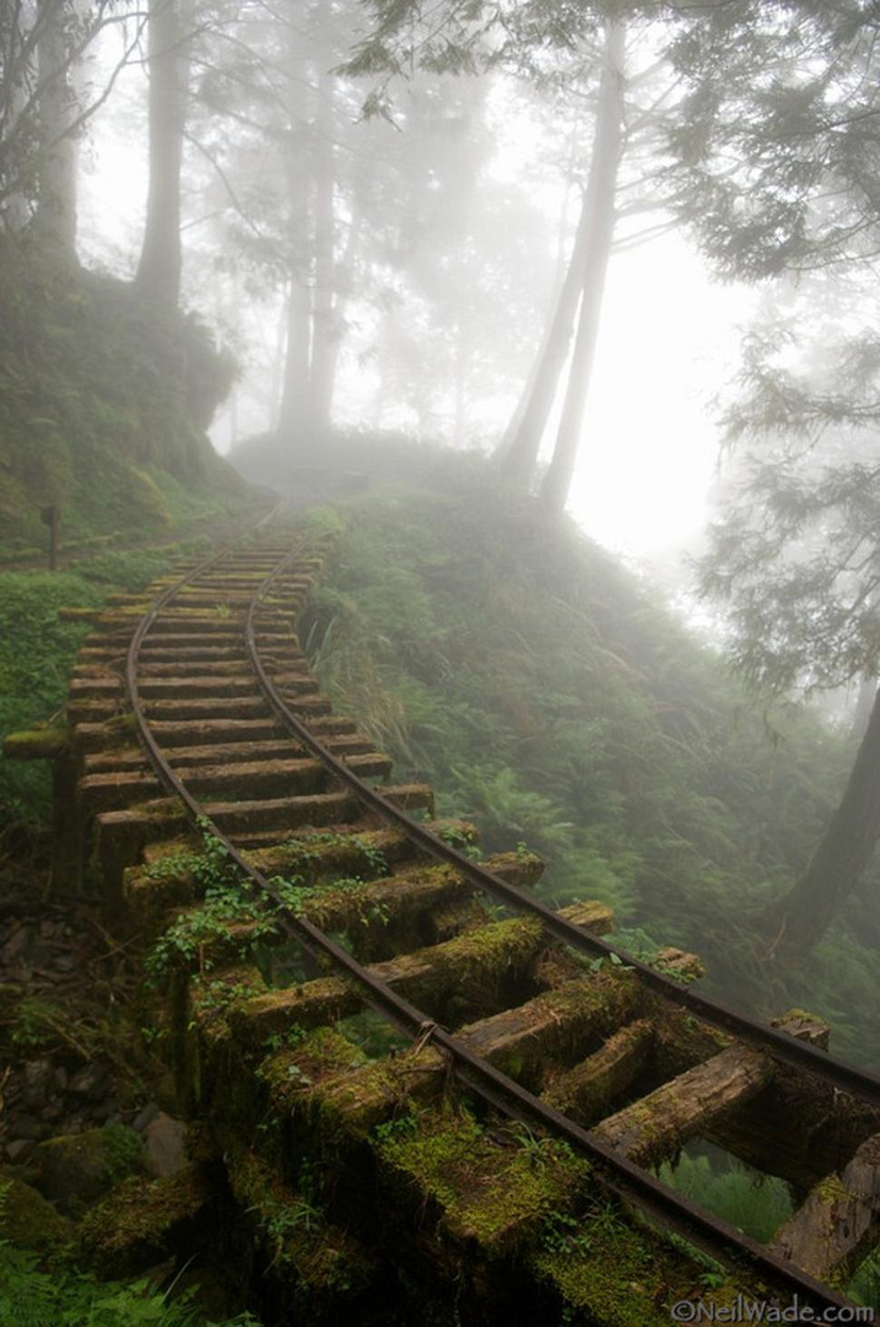 Hüljatud-rööpad-kaevandusse-Taiwan